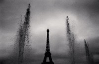 Eiffel Tower, Study 9, Paris, France. 1988 © Michael Kenna - musée Carnavalet Courtesy Galerie Camera Obscura