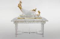 Table et nef, Exposition Universelle, Paris, 1889 (pour la table) et Exposition Universelle, Paris, 1900 (pour la nef) © Baccarat, photographe : Patrick Schüttler