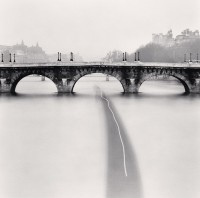 Passing Barge, Paris, France. 1988 © Michael Kenna - musée Carnavalet Courtesy Galerie Camera Obscura