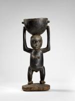 Sculpture féminine. Province Guadalcanal. Bois (Alstonia scholaris), nacre, graines (Triumfetta romboides)  © musée du quai Branly, photo Claude Germain
