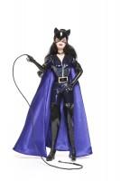 Barbie Catwoman, fabricant Mattel, Etats-Unis, 2004. Plastique, tissu et carton. Photo Jean Tholance