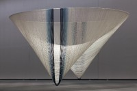 Akio Hamatani, W-Orbit, 2010. Rayonne, indigo.