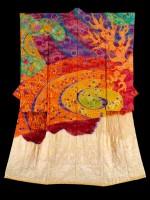 Itchiku Kubota (1971 -2003), Symphonie de Lumière Uzu, Magma tournoyant dans la fournaise. Japon, 2006. Teinture à réserve ligaturée, encre, broderie sur crêpe soie, fils métalliques (c) International Chodiev Foundation
