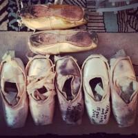 Pointe des différentes étapes de la carrière de Clairemarie Osta, depuis Coryphée jusqu'à ses Adieux de l'Opéra de Paris