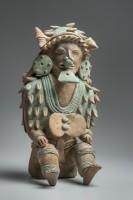 Chamane portant une coiffure de coquillages, 350 av. J.-C.-400 apr. J.-C.. Culture Jama Coaque © musée du quai Branly, photo Christoph Hirtz