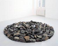 Richard LONG, Small Alpine Circle, 1998, Pierre, © Adagp, Paris 2016