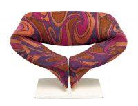 Fauteuil F582 dit Ribbon Chair, 1966Éditeur : ArtifortCentre Pompidou, Paris© Coll. Centre Pompidou, musée national d'art moderne / Photo : Bertrand PrévostDon de Strafor, 1996