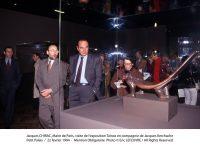 Jacques Chirac, Maire de Paris, visite de l'exposition Taïnos en compagnie de Jacques Kerchache. Petit Palais, 22 février 1994 © Eric Lefeuvre