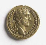 Aureus d'Antonin le Pieux. Or, en 145 et 161. © Carole Rabourdin / Musée Carnavalet / Roger-Viollet